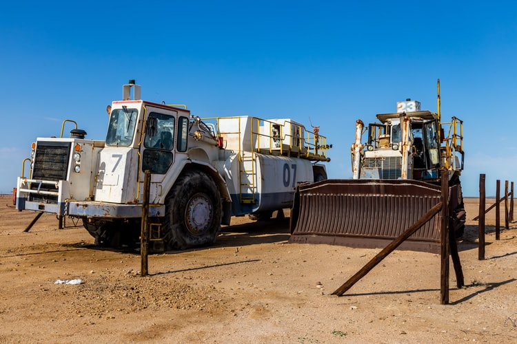 earth moving equipment melbourne